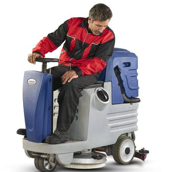 اسکرابر خودرویی تولید ۱۴۰۰ , اسکرابر سرنشین دار , کفشوی سرنشین دار , کفشور سرنشین دار , ماشین اسکرابر سرنشین دار , خرید اسکرابر سرنشین دار با کیفیت بالا